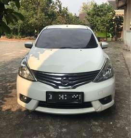 Nissan Grandlivina XV AT 2014 Matic Putih Facelift