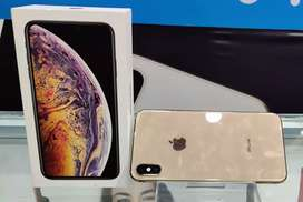 iPhone XS max 64gb in gold colour for sell