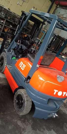 Forklift Murah dan Siap pakai