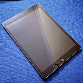 Ipad 7th gen 32GB WiFi only (Space Grey)