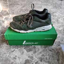 Sepatu Adidas CC Rocket Boost + League Ghost Runner Size 42 FULL BOX