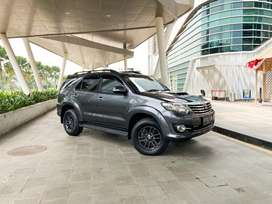 Toyota FORTUNER G VNT DIESEL 2015 GOOD CONDITION
