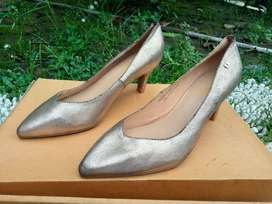 Heels Obermain Gold Black- Size 37