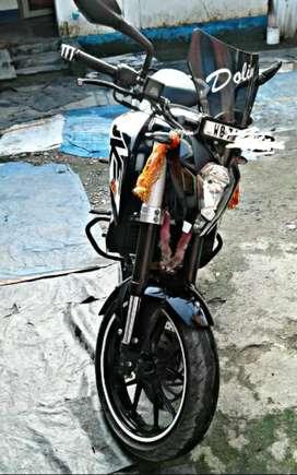 Duke 200 (a bike in showroom condition)