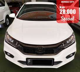 HONDA CITY RS AUTOMATIC WHITE 2018 SPECIAL CONDITION, Km 28 Rb.