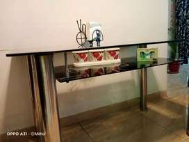 Glass dining table (4 seater).