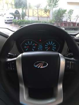 Mahindra scorpio top model steering wheel