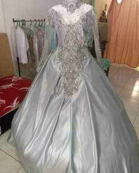 Gaun pengantin silver