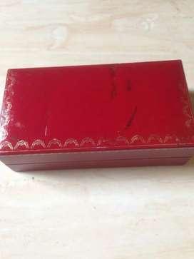 Box kacamata Cartier