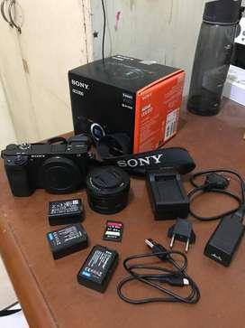 Sony Mirrorless A6300 + Lens Kit 16-50 MM + 3 Battrey + SD Card 64Gb