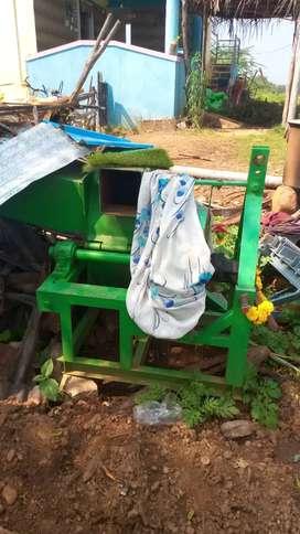 Tractor sheader chaff cutter