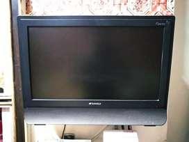 SANSUI color LCD TV (22 inch)