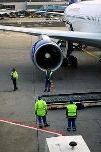Airport Ground Staff/Airport Ground Control/Cabin Crew