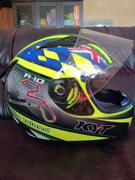 For sale helm fullface KYT R10 Phillip Island