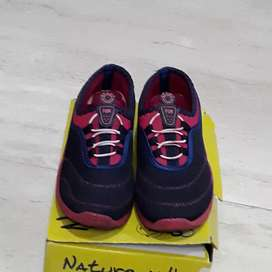 Ladies Navy and Pink Shoes ladies 5no.with box wear once but loose..