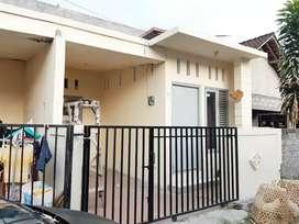 Rumah Disewakan Baru 3 KT bs Furnish Bisa Bulanan dkt Kebo Iwa Gatsu