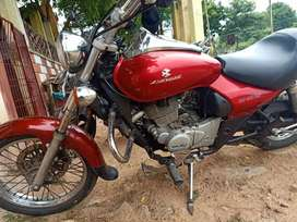Well maintained bike. Suoer gud engine