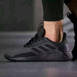 Adidas Questar Drive sneakers pria