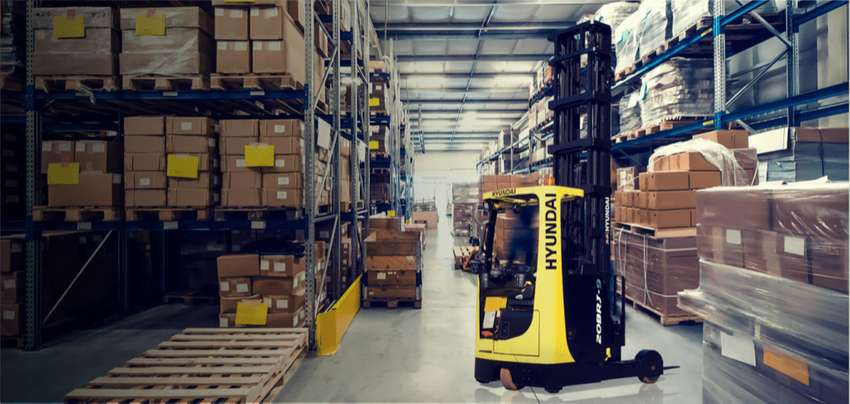 Forklift for Retail Stores & Warehouses 0
