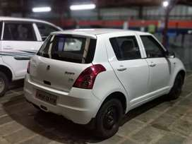 White Maruti Swift available for sale