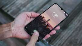 One plus 6t with great features and a great camera quality and in buil