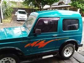 Mobil Suzuki katana th 94