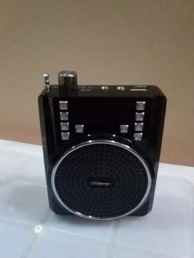 Black Speaker with mic