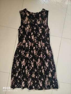 Printed lace Dress (size small) ₹300