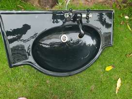 JAGUAR BRANDED - As good as new washbasin with modern mixer taps