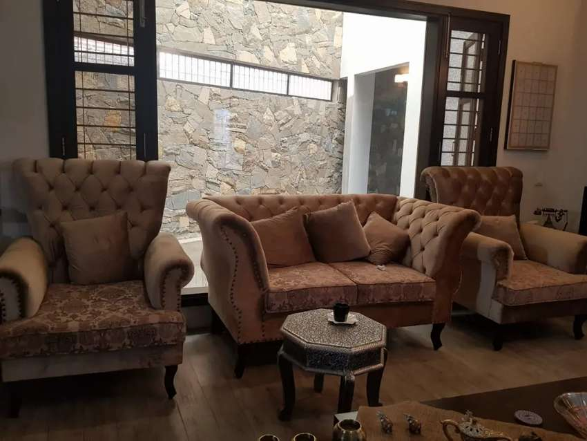 New Classic Drawing Room sofa set Seven Seater in imported fabric