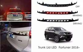 Trunklid lampu fortuner 2016 - 2020