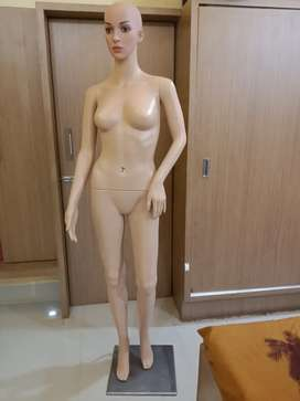 Plastic Female Full Body Mannequin (Skin, 5.8ft)