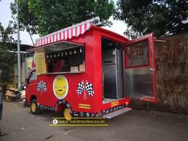 Cook on food truck