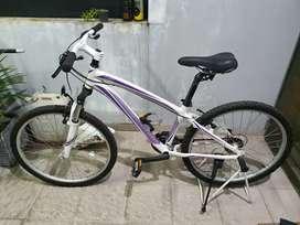 Sepeda Gunung MTB Polygon Cleo 1.0 upgrade saddle selle royal rio