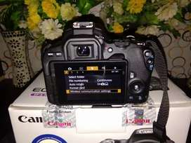 Canon camera 200d two lens