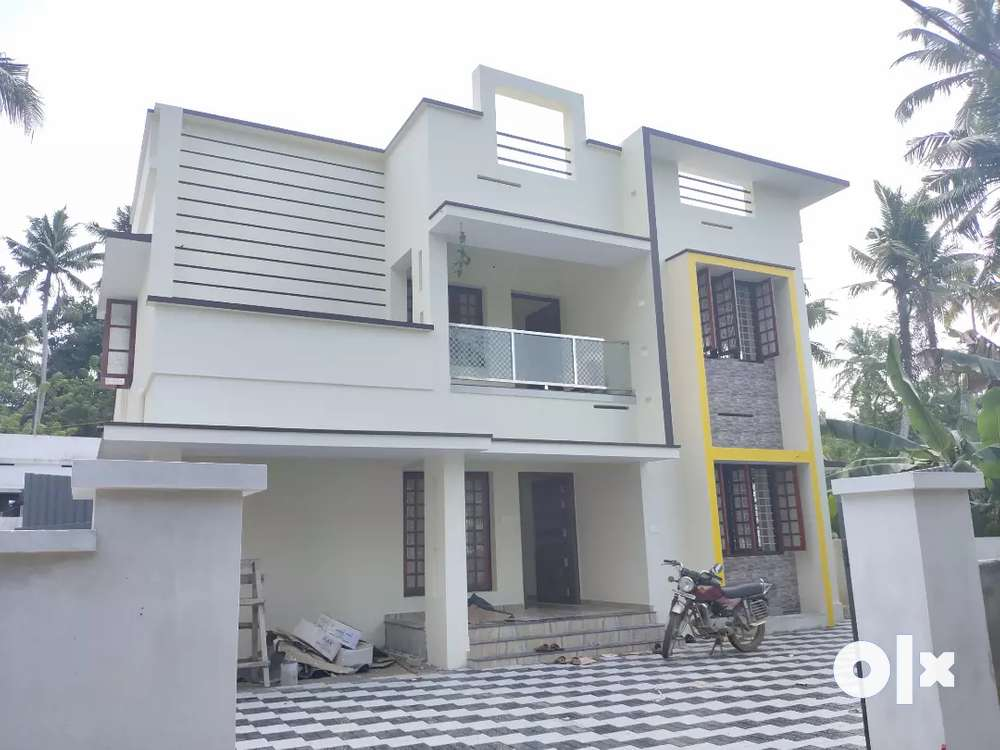 mannanthala 7cent. 2150sqft new house