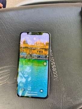 256gb iphone x with neat and clean set