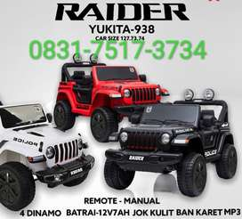 Mobil mainan aki model Jeep raider