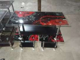 This is a very beautiful table, its mirror is 7 mm