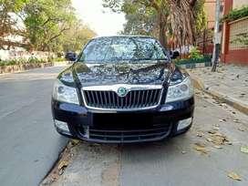 Skoda Laura Ambition 2.0 TDI CR MT, 2011, Diesel