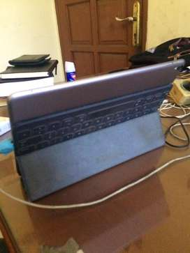 ipad pro 10.5 inch ipadOs 13 256gb wifi celluler dan smart keyboard BU