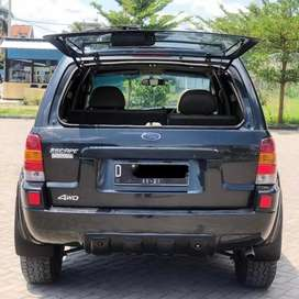 Ford escape 3.0 Limited 4 x 4 (langka)