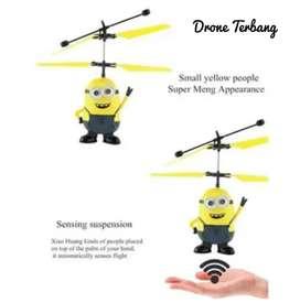 Drone terbang karakter