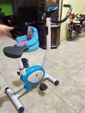Murah..tl 8215 sepeda statis new design
