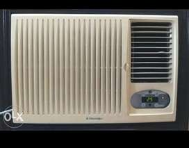 Electrolux 1.5 Ton window AC with Remote for sale