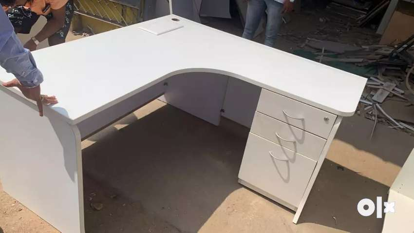 Office L shape computer tables 20nos available