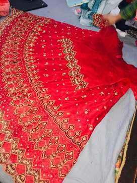 Bridal lehnga in red nd good condition