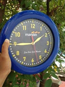 Souvenir Jam Dinding Acara Ulang Tahun Perusahaan Back Custom Desain