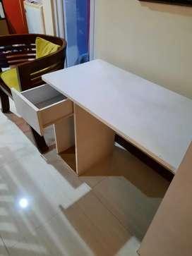 Dijual meja komputer