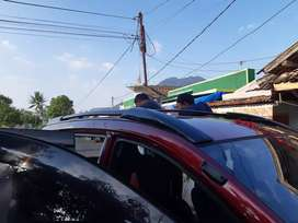 Roofrail sporty bahan plastik abs + crosbar /palang avanza xenia